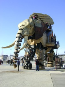 mechanical-elephant-nantes-x640